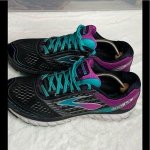 Woman's Brooks Ghost 9 Running shoes Sz 11 1/2